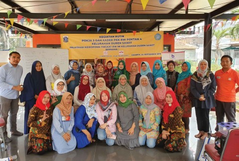 Pelatihan Hidroponik Tingkat RW Kelurahan Duren Sawit